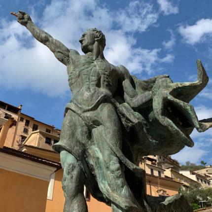 Arpino - Statua di Cicerone